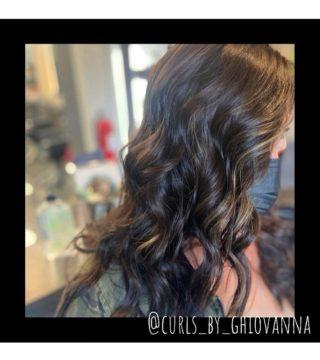 🤎🖤🤎 • • • #salonfave #askforghiovannad #fallhaircolor #lowlightshaircolor #wellahair #chocolatehair